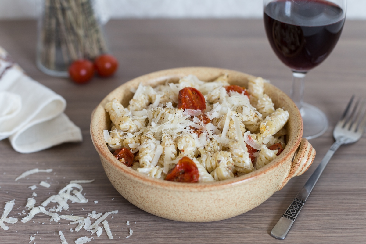 creamy-pasta-roasted-cherry-tomatoes-4