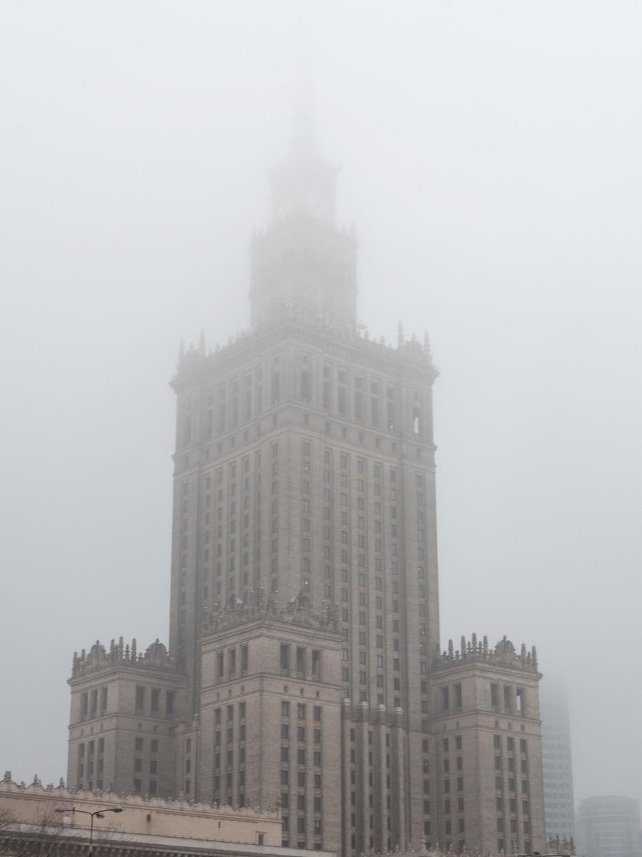warsaw poland fog